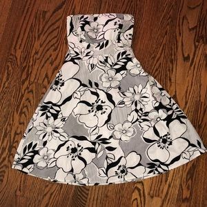 Women's strapless sun dress. Small.